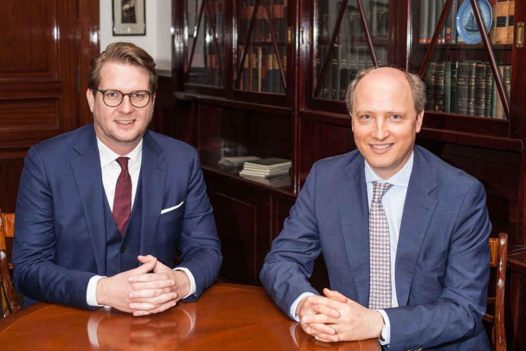 Prof. Dr. Drobetz und Prof. Dr. Schröder